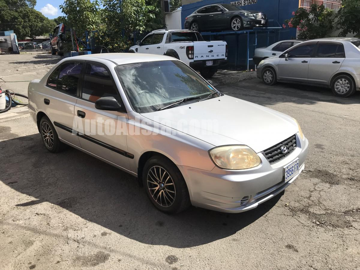 2004 hyundai accent for sale in kingston st andrew. Black Bedroom Furniture Sets. Home Design Ideas