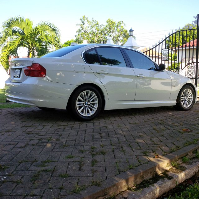 2009 BMW 325i For Sale In Kingston / St. Andrew, Jamaica