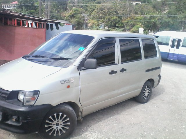 2001 Toyota Townace for sale in Kingston   St. Andrew, Jamaica ... 5945a761245