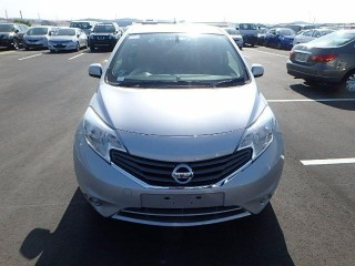 '12 Nissan Note for sale in Jamaica