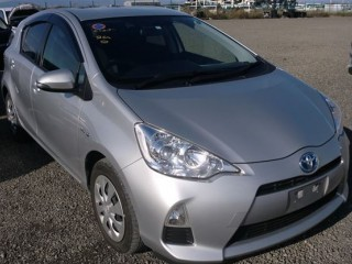 2014 Toyota Aqua best offer 100 percent financing for sale in Kingston / St. Andrew, Jamaica