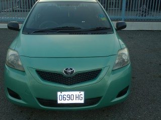 '11 Toyota yaris for sale in Jamaica