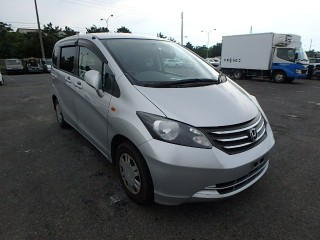 '10 Honda Freed for sale in Jamaica