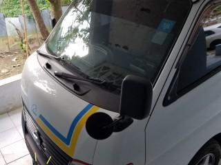 '11 Nissan Caravan for sale in Jamaica