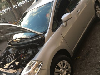 2012 Nissan Tiida latio for sale in Manchester, Jamaica