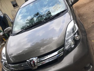 2013 Toyota Isis Platana for sale in Kingston / St. Andrew, Jamaica