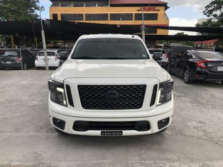 2019 Nissan TITAN MIDNIGHT EDITION for sale in Kingston / St. Andrew,