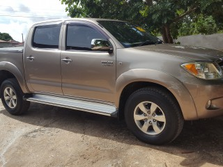 '08 Toyota Hilux for sale in Jamaica