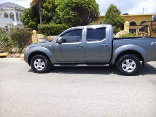 '12 Nissan Navara for sale in Jamaica