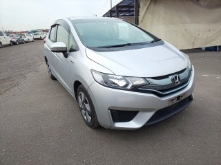 2016 Honda Fit HV 100 financing available or best offer for sale in Kingston / St. Andrew, Jamaica