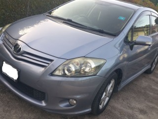 '11 Toyota Auris for sale in Jamaica