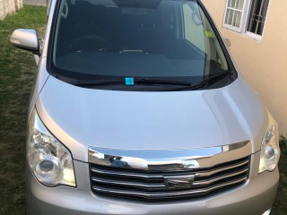 2011 Toyota Noah for sale in St. James, Jamaica