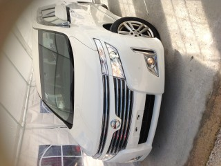 '13 Nissan Elgrand for sale in Jamaica