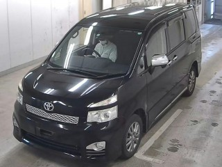 2012 Toyota TOYOTA VOXY ZS FULLY LOADED for sale in Kingston / St. Andrew,