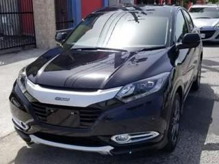 '14 Honda Vezel for sale in Jamaica