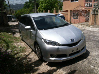 '11 Toyota Wish for sale in Jamaica