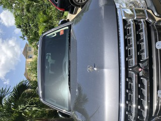 '16 Mitsubishi Pajero for sale in Jamaica