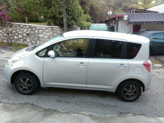 '10 Toyota Ractis for sale in Jamaica