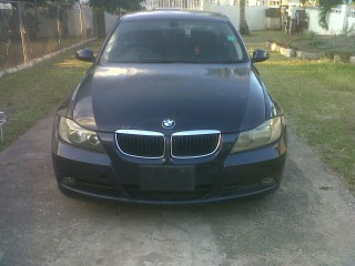 '06 BMW 320i for sale in Jamaica