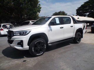 '18 Toyota Hilux for sale in Jamaica