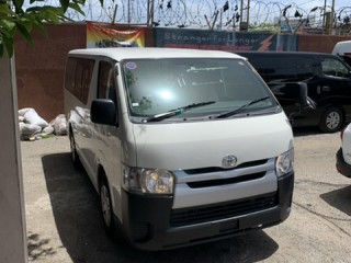 2014 Toyota Hiace DUAL AC for sale in Kingston / St. Andrew, Jamaica