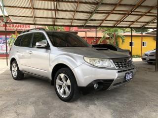 '11 Subaru Forrester for sale in Jamaica