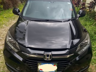 2015 Honda HRV Vezel for sale in Kingston / St. Andrew,