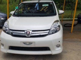 2014 Toyota Isis platana for sale in Manchester, Jamaica