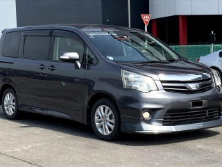 2011 Toyota NOAH SI for sale in Outside Jamaica, Jamaica