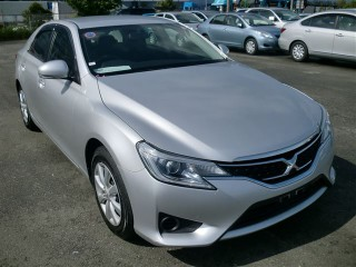 '13 Toyota Mark X for sale in Jamaica