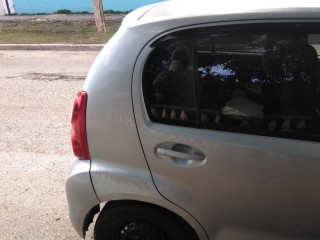 '10 Toyota Passo for sale in Jamaica