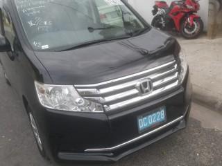 '12 Honda Stepwagon for sale in Jamaica