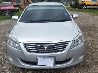 '11 Toyota Premio for sale in Jamaica