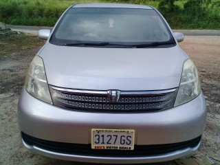 2007 Toyota Isis for sale in St. Elizabeth, Jamaica