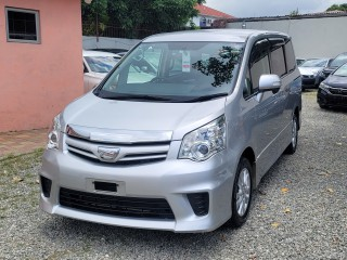 2013 Toyota Noah S for sale in Kingston / St. Andrew, Jamaica