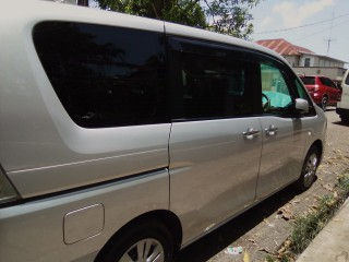 2013 Nissan Serena for sale in St. Catherine, Jamaica