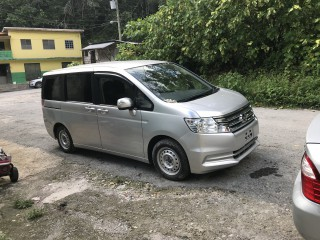 '15 Honda Stepwagon for sale in Jamaica
