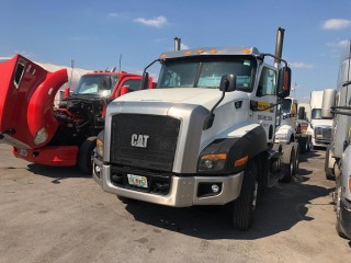 2015 Freightliner Caterpillar Tractor Head for sale in Outside Jamaica, Jamaica
