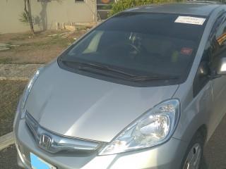 2013 Honda fit hybrid for sale in Kingston / St. Andrew, Jamaica