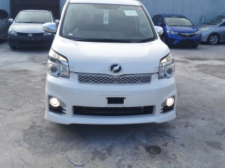 2013 Toyota VOXY ZS  KIRAMEKI for sale in Kingston / St. Andrew,