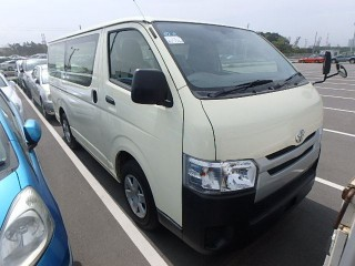 '15 Toyota Hiace for sale in Jamaica