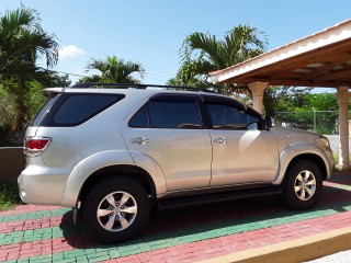 '06 Toyota Fortuner for sale in Jamaica