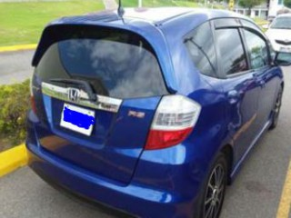 '09 Honda Fit RS for sale in Jamaica