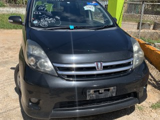 2010 Toyota isis for sale in Manchester, Jamaica