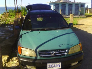 1999 Toyota Ipsum for sale in St. Mary, Jamaica