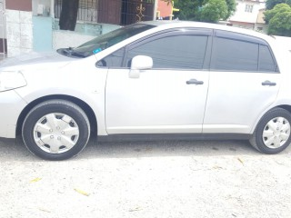 '09 Nissan Tiida for sale in Jamaica