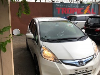 2014 Honda Fit Hybird for sale in Kingston / St. Andrew, Jamaica