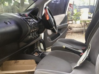 '04 Honda Fit for sale in Jamaica