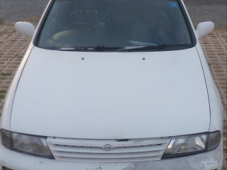 '95 Nissan Bluebird for sale in Jamaica