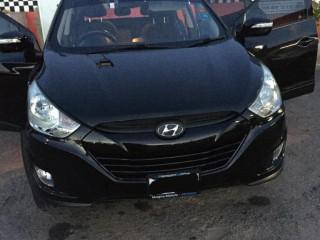 '13 Hyundai Tuscon for sale in Jamaica